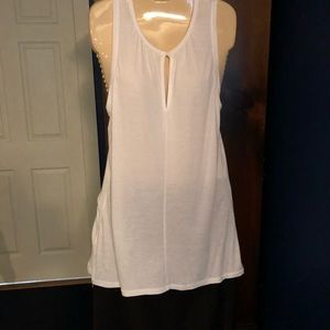 Gap sleeveless top. New with out tags.